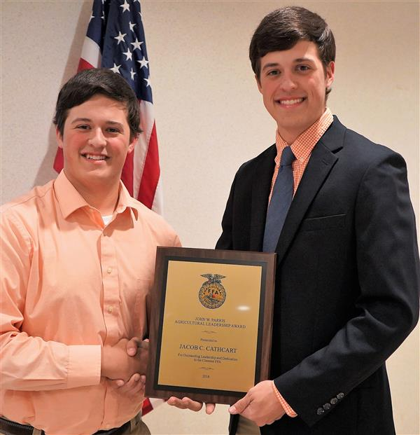 CATHCART RECEIVES PARRIS AGRICULTURAL LEADERSHIP AWARD