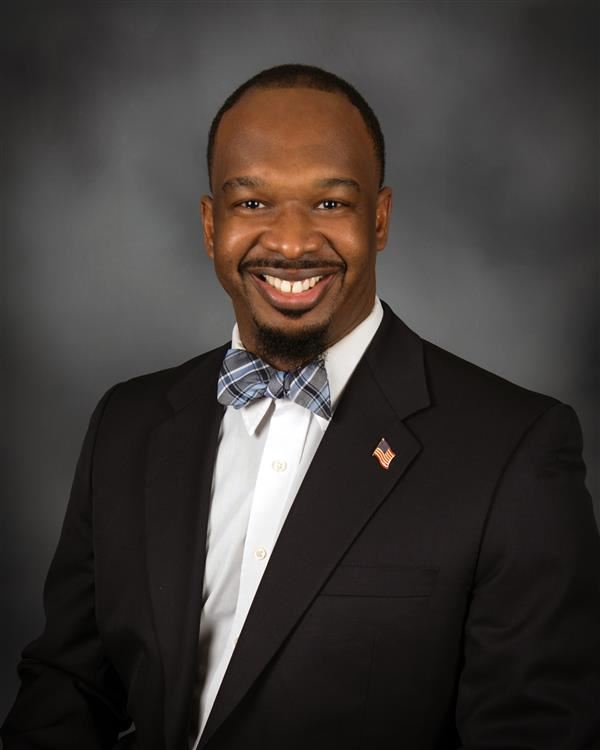 Chapin High School principal Dr. Akil Ross named finalist for National Principal of the Year