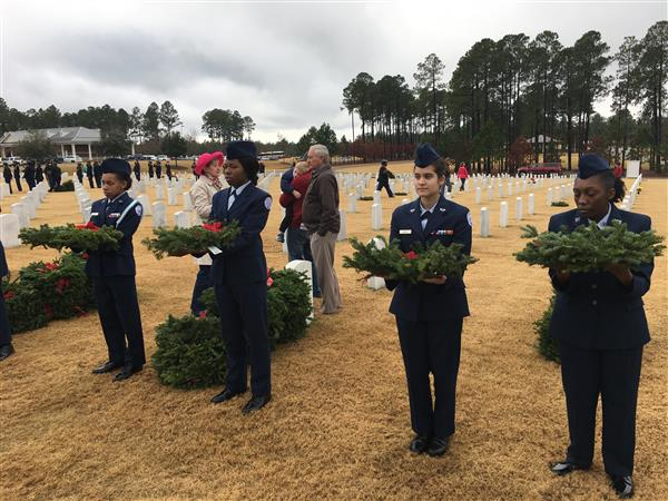 School District Five takes part in Wreaths Across America event
