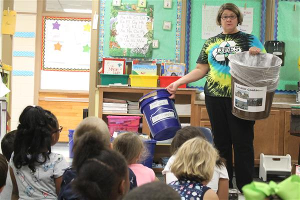 Dutch Fork Elementary magnet gives students hands-on, up-close instruction in caring for the environment